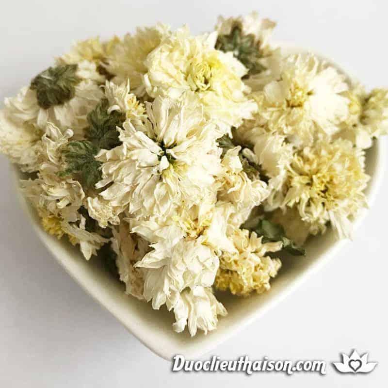 Trà hoa cúc, bí quyết trường thọ cho phái đẹp