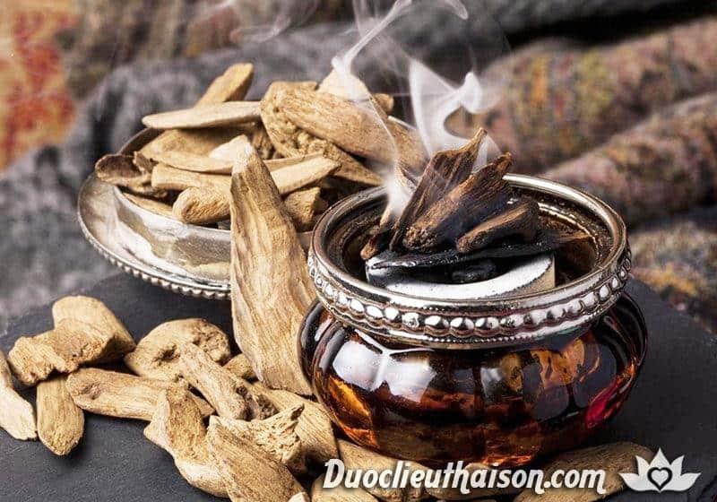 Đốt trầm hương