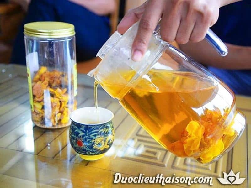 Pha trà hoa vàng