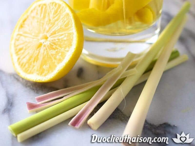 Giảm cân bằng cách uống detox chanh sả thảo mộc