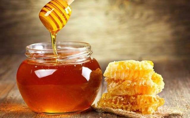 Mật ong có công dụng với sức khỏe sinh lý nam giới